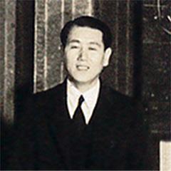 正垣角太郎の長男・一義。父の研究を精力的に支える。